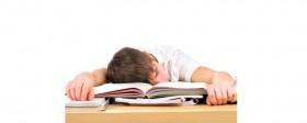 Sınıfta Uyuyan Öğrencilere Kızmayın!